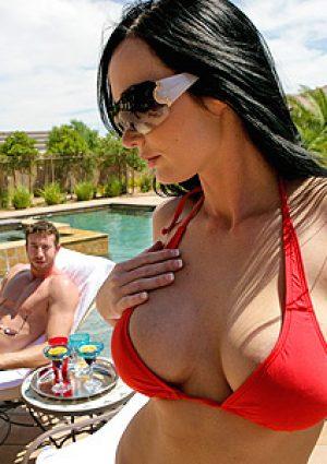 Melissa Lauren Daring in Vegas